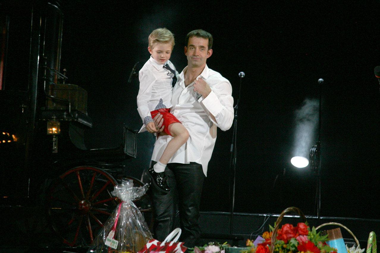 Ребенок певцова елисей фото